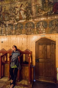 Maria admires the paintings, Vidra-Goiești