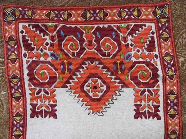 http://privateguidebulgaria.com/wp-content/uploads/2015/05/JMB_Active_Arts_Crafts_Apriltsi_Bulgaria_31.jpg